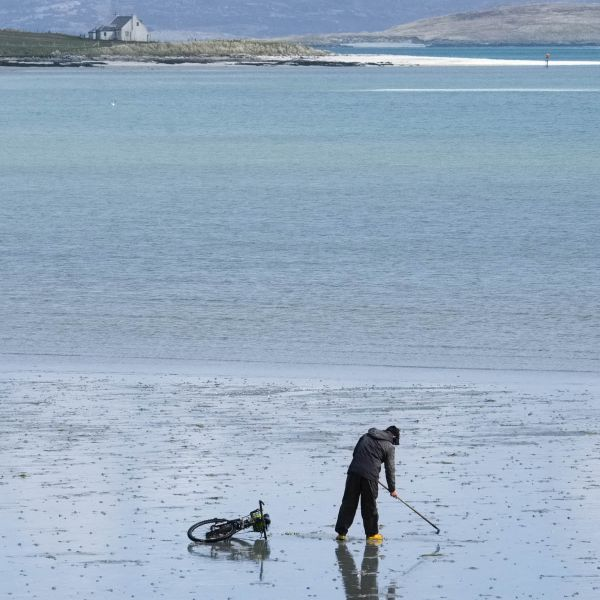explore Isle of Barra with a hire bicycle